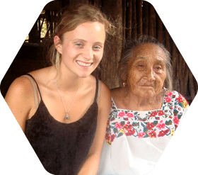 Ellie Finkenaur '15 with woman in Mexico