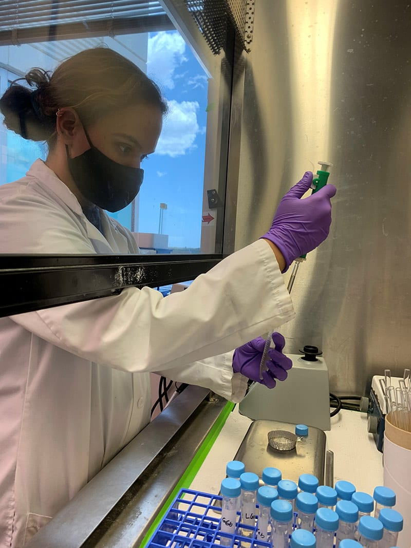 Izzy Berry '22 spent the summer extracting lipids from red snapper at the Fish and Wildlife Research Institute in St. Petersburg