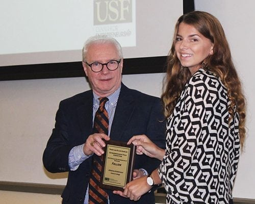 Joanna Andersson '19 receiving the award