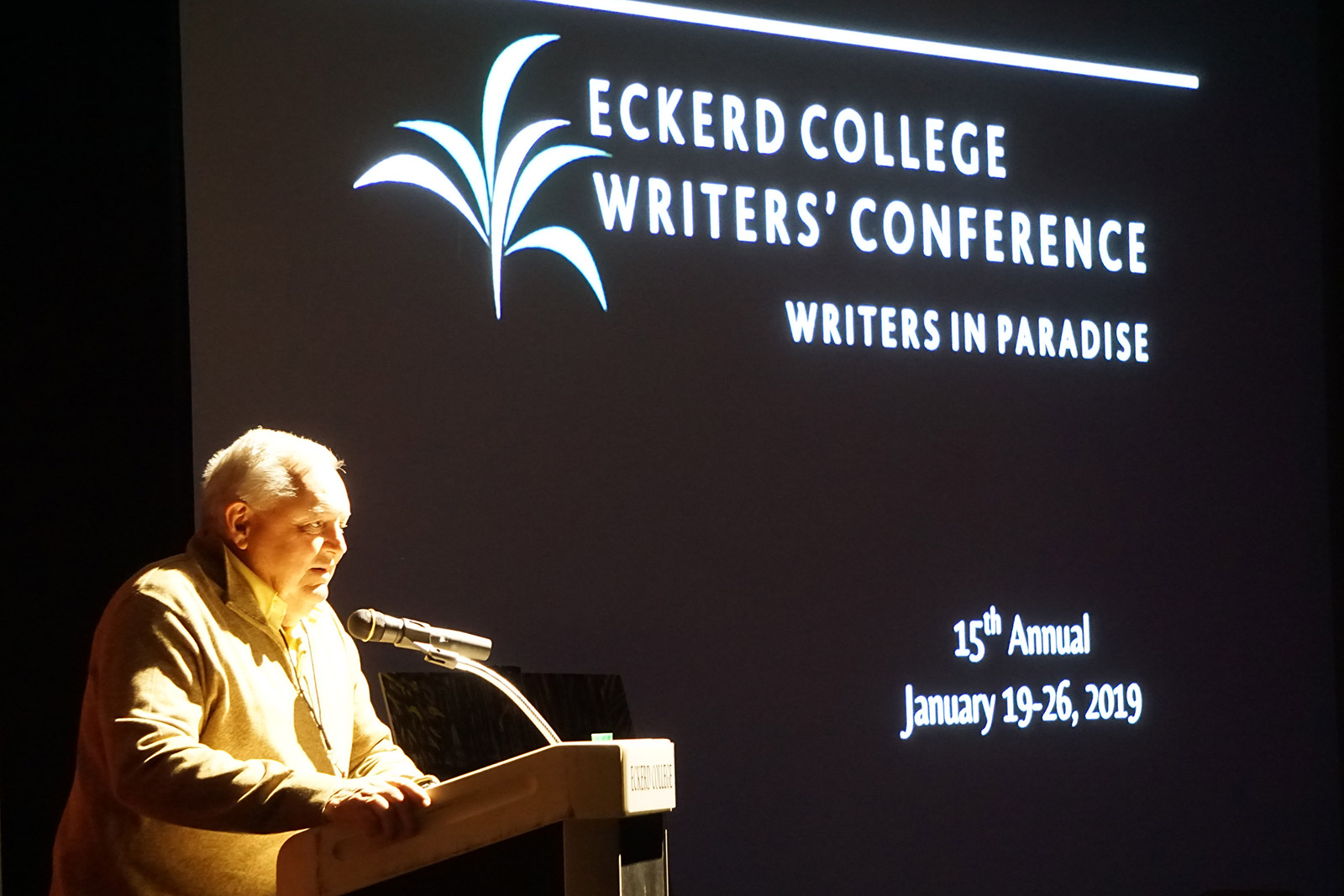 Les Standiford at the Writers in Paradise conference in 2019
